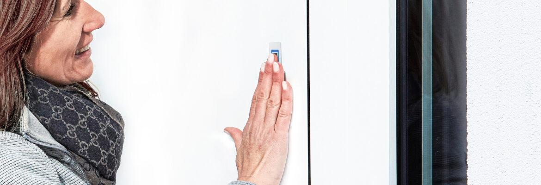 Czytnik ekey dLine do montażu w drzwiach